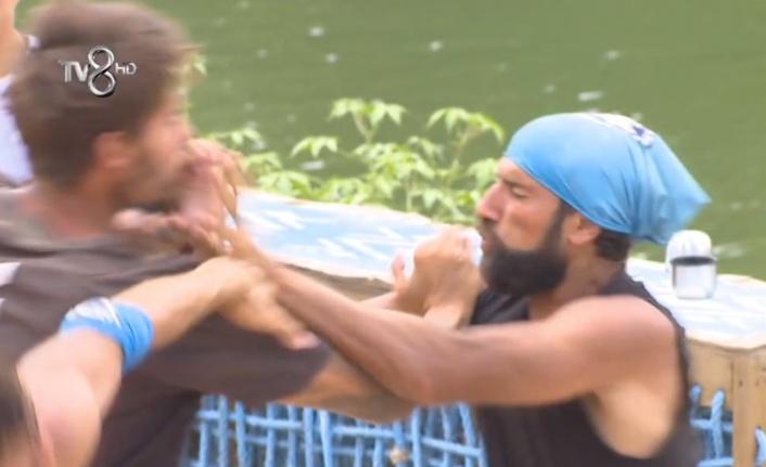 Survivor 52. Bölüm İzle! Yasin-Barış Kavgası Diskalifiyeyle Mi Sonuçlanacak?